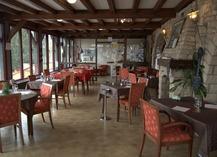 HOTEL RESTAURANT LA TABLE DES BONS PERES - Bislée
