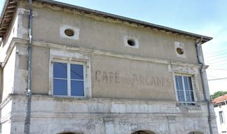 FAÇADE REMARQUABLE : CAFE DES ARCADES - Saint-Mihiel