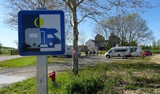 AIRE DE STATIONNEMENT - Pierrefitte-sur-Aire