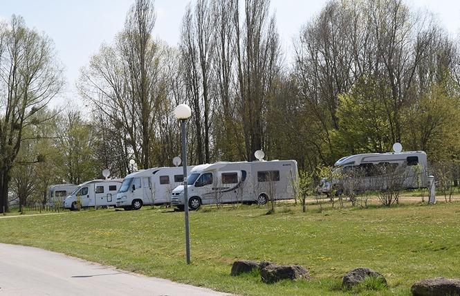 AIRE DE STATIONNEMENT CAMPING-CAR DU LAC DE MADINE - HEUDICOURT 1 - Heudicourt-sous-les-Côtes