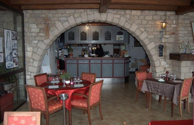 HOTEL RESTAURANT LA TABLE DES BONS PERES 2 - Bislée