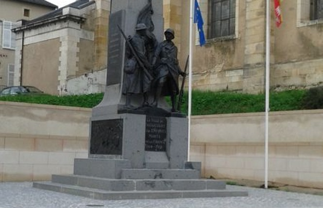 MONUMENT AUX MORTS 1 - Thiaucourt-Regniéville