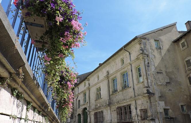 FAÇADE REMARQUABLE : HOTEL DE BOUSMARD 1 - Saint-Mihiel
