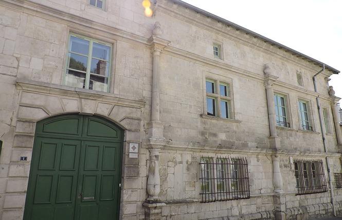 FAÇADE REMARQUABLE : HOTEL DE BOUSMARD 2 - Saint-Mihiel