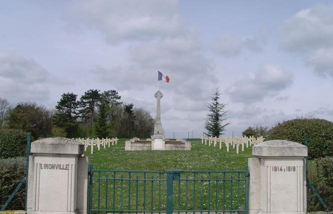 CIMETIÈRE MILITAIRE FRANÇAIS 1 - Lironville