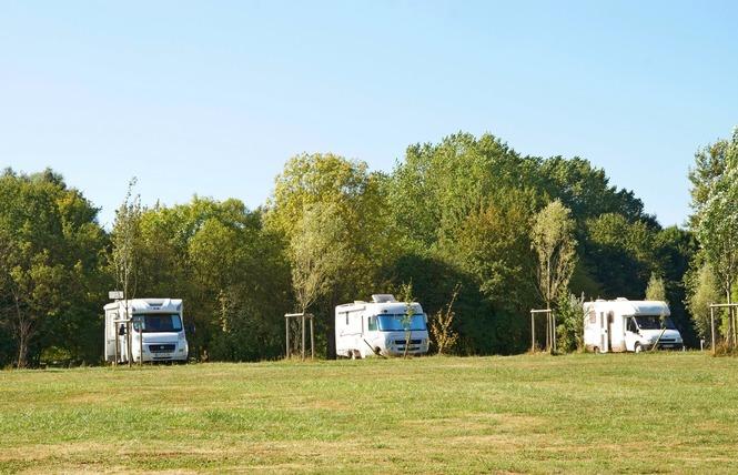 AIRE DE STATIONNEMENT CAMPING-CAR DU LAC DE MADINE - NONSARD 2 - Nonsard-Lamarche