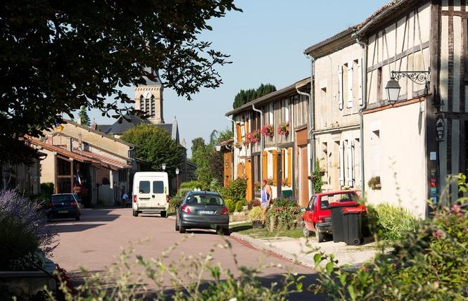 AIRE DE STATIONNEMENT CAMPING-CARS 1 - Beaulieu-en-Argonne