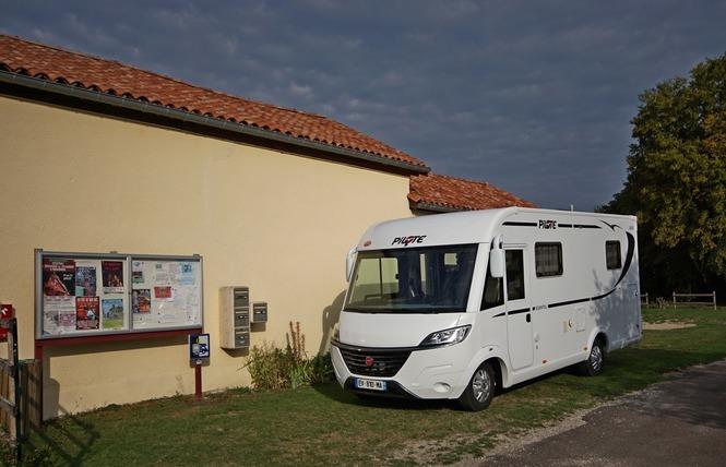AIRE DE STATIONNEMENT CAMPING-CARS 2 - Beaulieu-en-Argonne