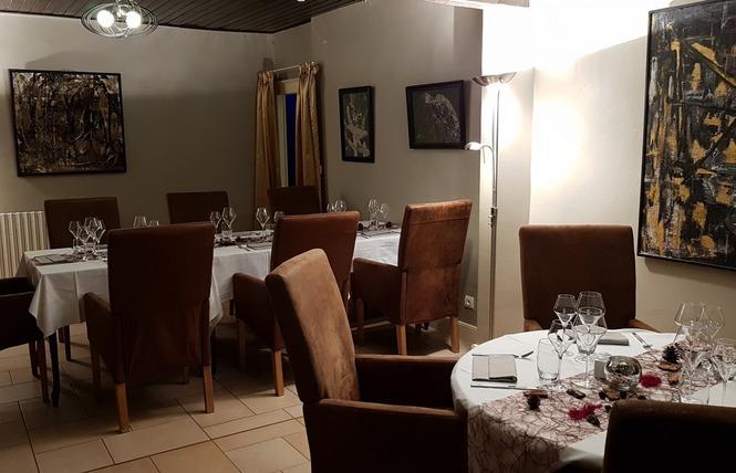 HOTEL RESTAURANT LE RELAIS DE LA VOIE SACREE 1 - Les Trois-Domaines