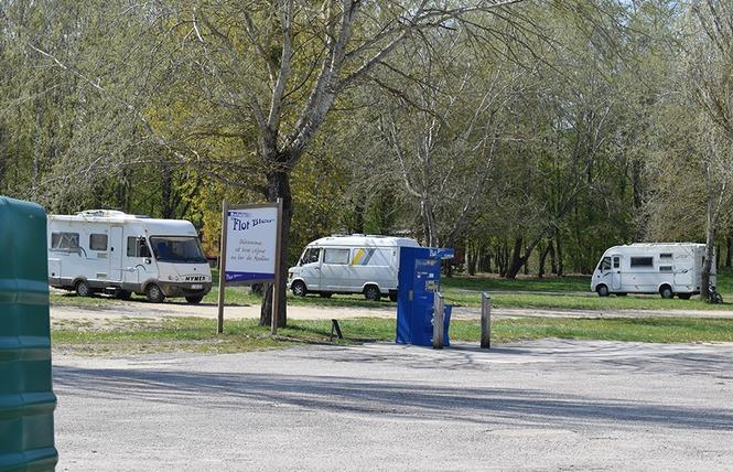 AIRE DE SERVICES CAMPING-CAR DU LAC DE MADINE - HEUDICOURT 1 - Heudicourt-sous-les-Côtes