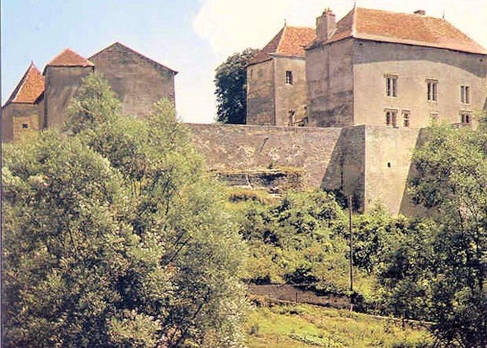 chateau-jaulny.jpg